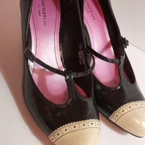 Isaac Mizrahi womens size 10 shoes.